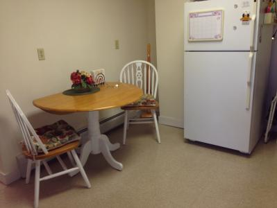 Beautifully furnished and modern 1 bedroom, with laundry